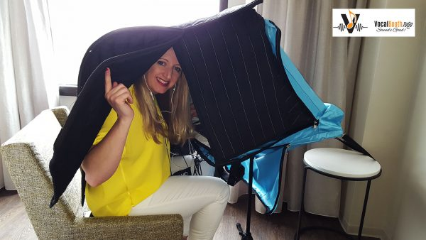 Portable vocal booth with Surround Sound Hood – ready to record
